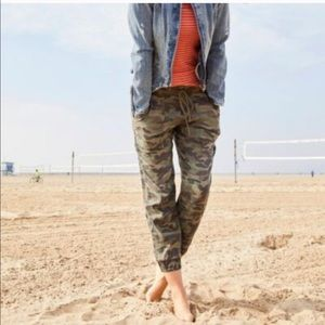 Anthro Cloth and Stone Camo Jogger XS